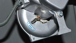 手動散粉機 使用方法3 [散粉器、散布器、粉剤(粉末)、農薬、殺虫剤、消臭剤、ミゼットダスター]